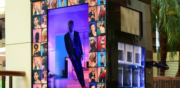 d982d6ea28aaf Calvin Klein lança máquina para vender cuecas - 20 10 2016 - UOL Economia