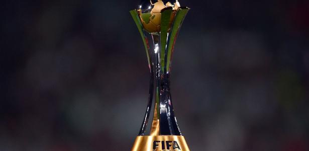 Entidade que comanda o futebol   Comissão da Fifa se opõe a jogos oficiais de clubes no estrangeiro