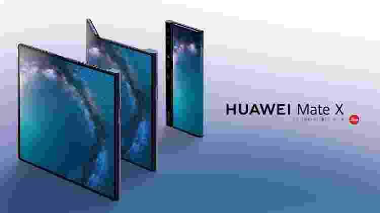 A tela do Huawei Mate X abre no sentido contrário ao do Galaxy Fold - Divulgacão