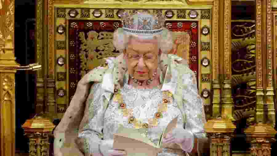 Elizabeth II durante Discurso da Rainha, que abre ano legislativo no Reino Unido - Tolga Akmen/AFP