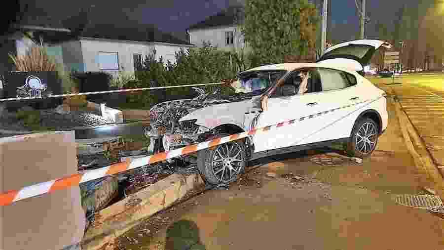 Noivo alugou Maserati avaliado em R$ 330.652 para usar no casamento e destruiu veículo um dia antes de cerimônia - Reprodução/Twitter