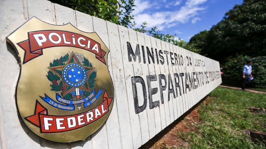 Mais de 100 policiais federais cumprem 20 mandados de busca e apreensão expedidos pelo Tribunal Regional Federal da 1ª Região em Pacaraima e Boa Vista - Marcelo Camargo/Agência Brasil