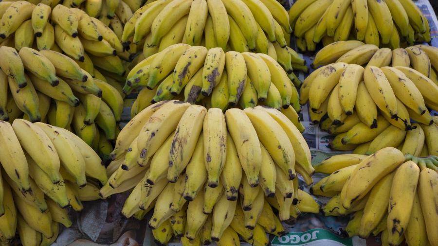 Há muitas cascas de banana nesta discussão. É preciso cuidado para não escorregar, excelências! - Getty Images