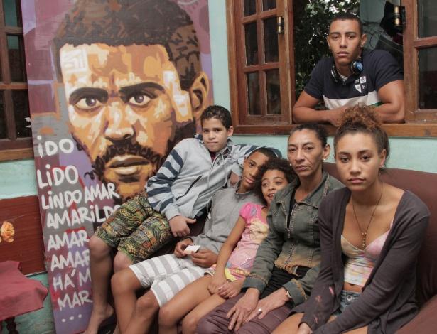 Desde o desaparecimento, a vida de Bete e dos seis filhos deu uma reviravolta. De dona de casa, ela passou a representante das vítimas da violência policial em favelas - Zulmair Rocha/UOL