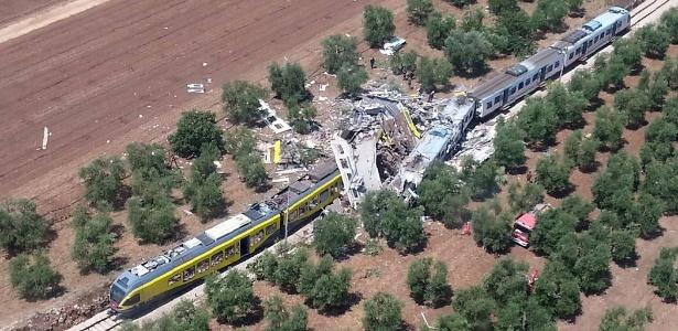 Dois trens se colidiram em uma ferrovia na região entre as cidades de Corato e Andria