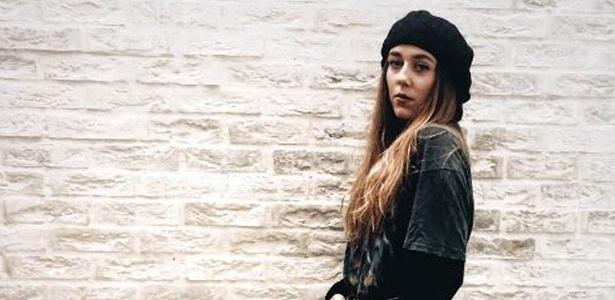 Gina Martin iniciou um abaixo-assinado na tentativa de que agressão que sofreu seja criminalizada na Inglaterra