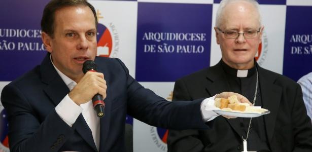 O prefeito de São Paulo, João Doria, e o arcebispo de São Paulo, cardeal Dom Odilo Scherer, concedem entrevista coletiva sobre a farinata