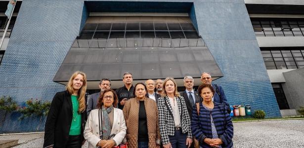 Comissão de senadores já havia visitado Lula dias após ele ter se entregado à PF