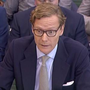 Ex-CEO da Cambridge Analytica, Alexander Nix, é sabatinado pelo comitê do Parlamento Digital, Cultura, Mídia e Esporte do Parlamento, em Londres - AFP