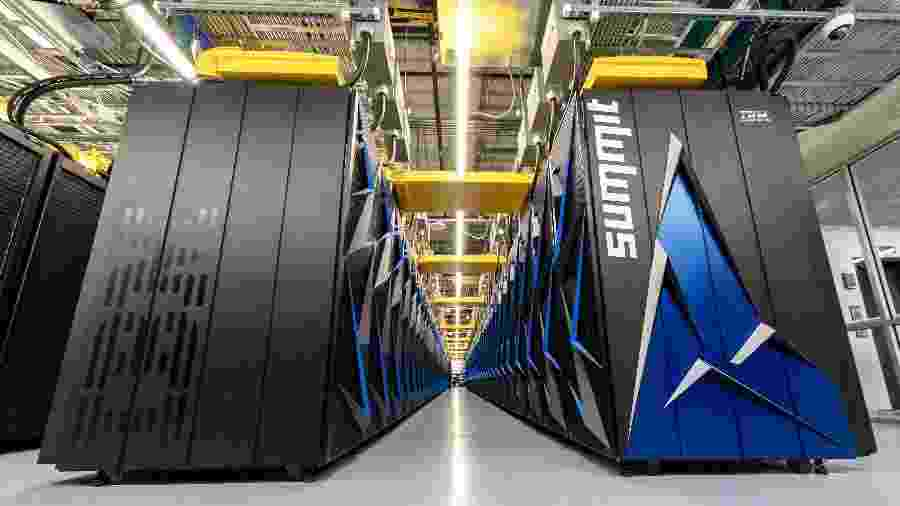 Supercomputador Summit, da IBM - Divulgação/Carlos Jones/Flickr ORNL