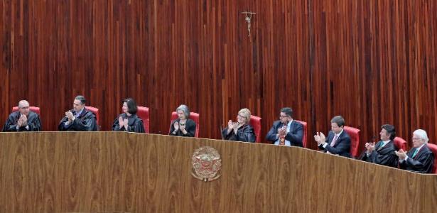 Um dos sete ministros do TSE pode apresentar decisão monocrática sobre Lula