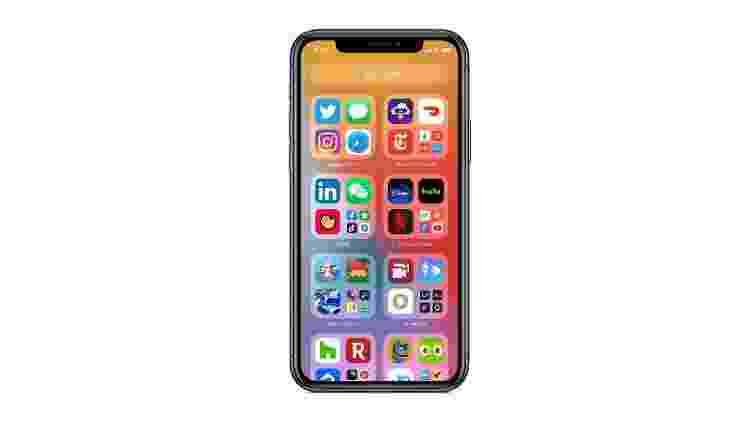 iOS 14: a Biblioteca, diz a Apple, facilita o acesso dos usuários a todos os apps com uma visualização simples e fácil de navegar no final das páginas da tela inicial - Divulgação - Divulgação