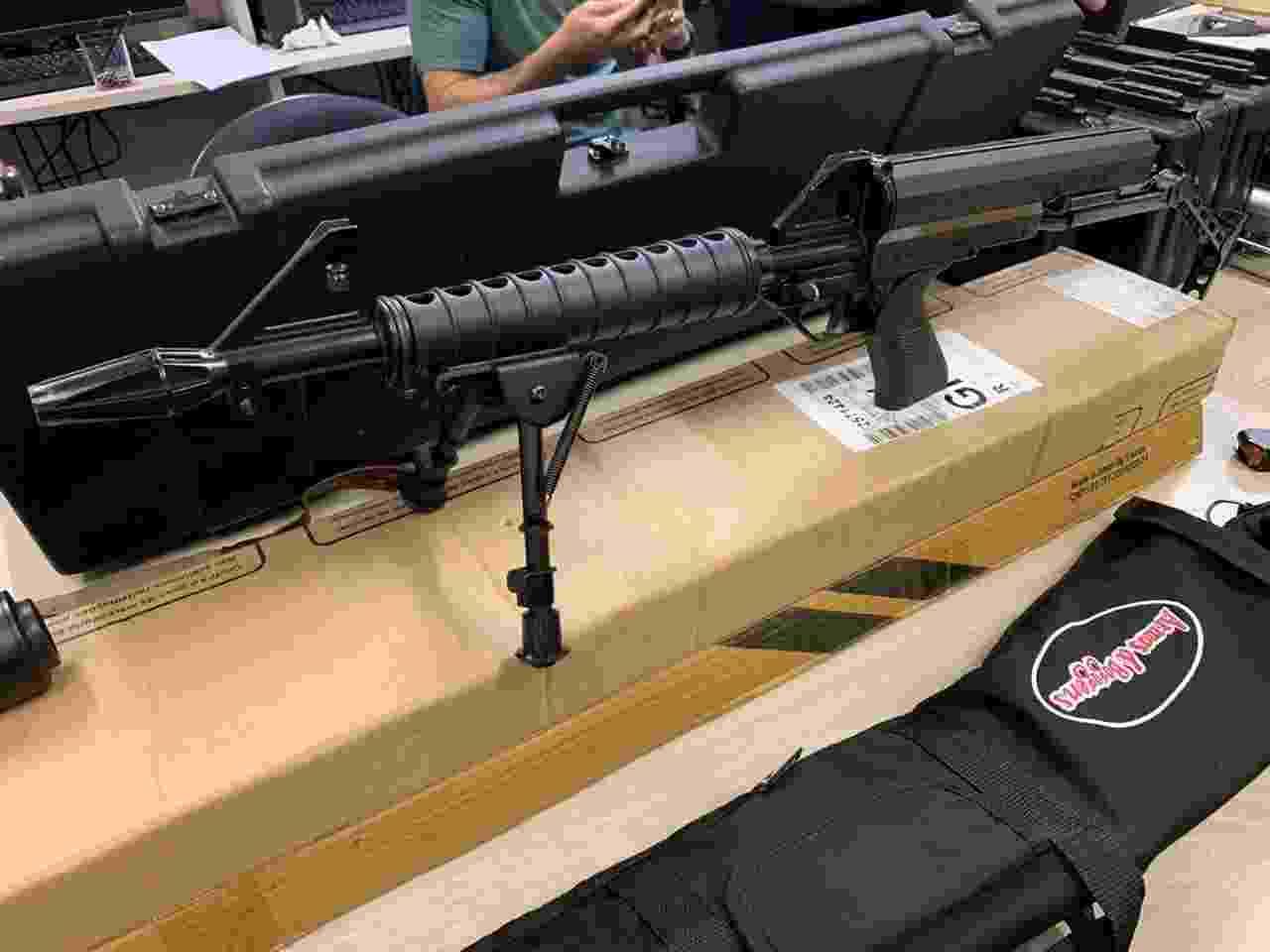 Guarda civil municipal foi preso pelo Deic em Americana (SP) com arsenal de 20 armas dentro do porta-malas de um Camaro - Divulgação/Deic