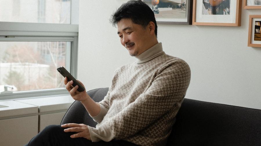O bilionário Kim Beom-su, fundador da Kakao, empresa dona do aplicativo de mensagens mais popular da Coreia do Sul  - Kakao/AFP
