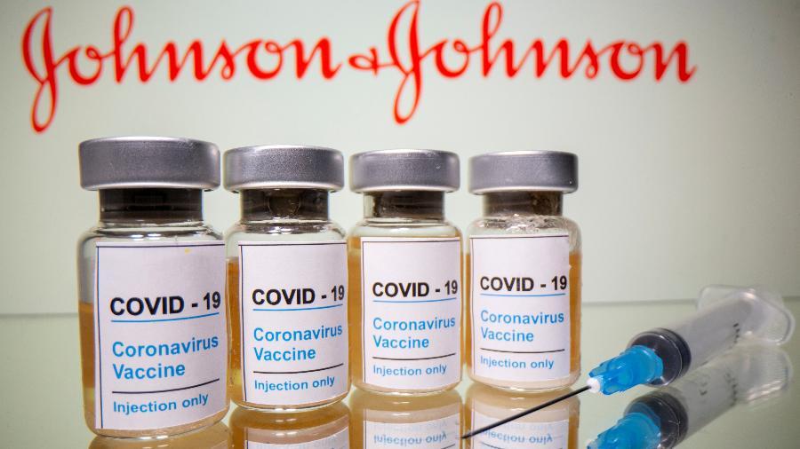Os EUA suspenderam o uso da vacina para investigar casos de mulheres que desenvolveram graves coágulos sanguíneos - Reuters