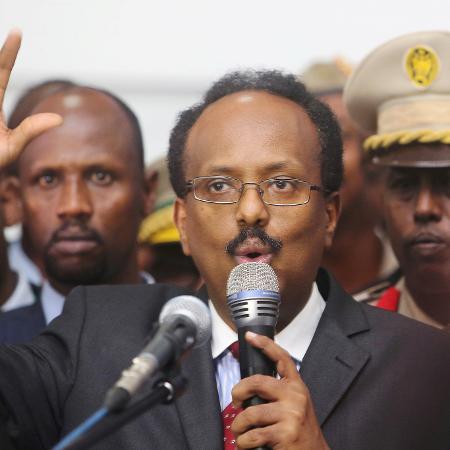 8.fev.2017 - Mohamed Abdullahi Mohamed assinou polêmica lei que prolonga por dois anos seu mandato que expirou em fevereiro - Feisal Omar/Arquivo/Reuters