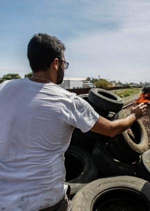 Integrantes do movimento SOS Vale do Rio Doce bloqueiam trilhos dos trens de minério da Vale, em Governador Valadares (MG) - Gabriela Biló/Estadão Conteúdo