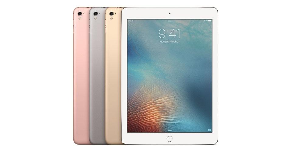 21.mar.2016 - A Apple lançou uma versão menor e mais barata do iPad Pro, com tela de retina de 9,7 polegadas, contra o display de 12,9 polegadas do modelo apresentado em setembro de 2015. Com quatro opções de cores --prateado, dourado, cinza espacial e ouro rosa--, o produto será vendido nos Estados Unidos a partir de 31 de março por US$ 599 (32GB), US$ 749 (128GB) e US$ 899 (256GB).