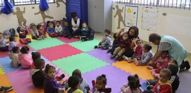 A escolinha é o local para as crianças explorarem e serem estimuladas por diferentes materiais, sons, histórias e fantasias - Fabio Arantes/Prefeitura de São Paulo
