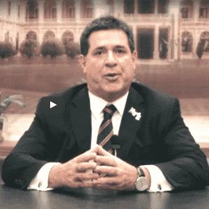 1º.abr.2017 - O presidente do Paraguai, Horacio Cartes, faz pronunciamento na TV - Reprodução