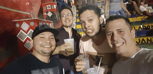 Fabrício, Fernando, Gustavo e Leandro antes do acidente de carro