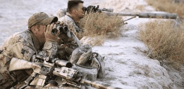 Equipe de atiradores canadenses em ação no Afeganistão  - Getty Images