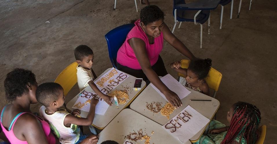 A valorização da cultura de seus ancestrais é conectada ao modo de vida tradicional nas atividades da escola