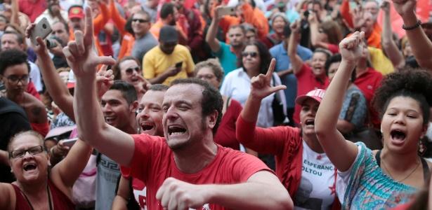 Apoiadores do ex-presidente Lula realizam ato no Sindicato dos Metalúrgicos do ABC
