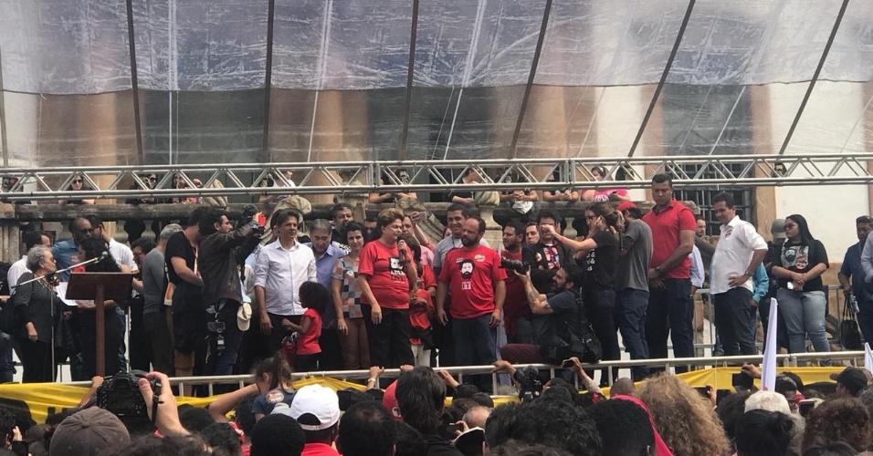 21.set.2018 - Fernando Haddad e Dilma Rousseff fazem ato de campanha juntos em Ouro Preto (MG)