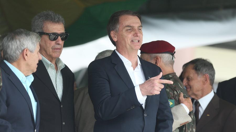 Bolsonaro participa da cerimônia do aniversário de 73 anos da brigada da Infantaria de Paraquedista, no Rio -  FÁBIO MOTTA/ESTADÃO CONTEÚDO