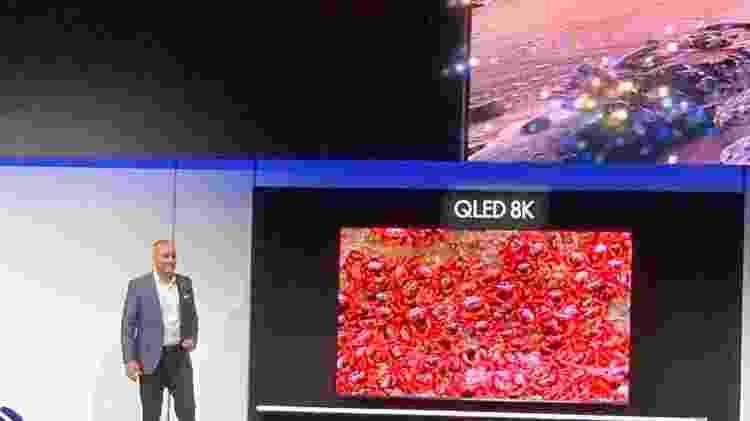 TV 8K de 98 polegadas foi novidade da Samsung na CES - Bruna Souza Cruz/UOL - Bruna Souza Cruz/UOL