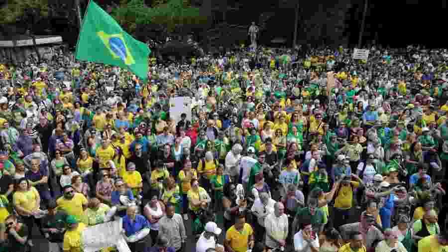9.nov.2019 - Manifestantes fecham avenida Paulista, em São Paulo, em ato em defesa da prisão em segunda instância - Nilton Fukuda/Estadão Conteúdo