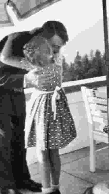 A natureza e o contato com crianças foram usados para humanizar Hitler - Getty Images - Getty Images
