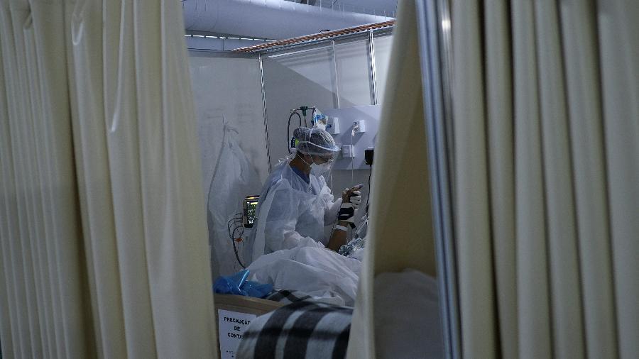 Brasil tem 1.039 mortes na últimas 24 horas e supera 436 mil óbitos em toda a pandemia - RICARDO MORAES