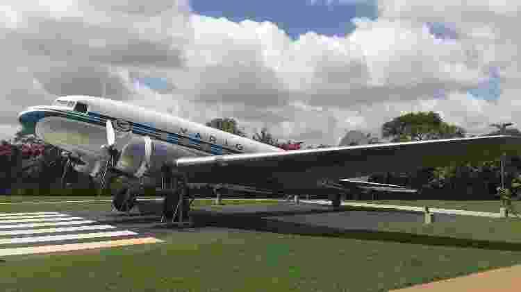 DC-3 que pertenceu à Varig em exposição no Boulevard Laçador, em Porto Alegre - Divulgação/Varig Experience - Divulgação/Varig Experience