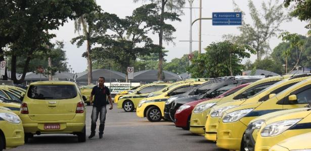 Taxistas fazem manifestações, em vários pontos da cidade do Rio, contra o aplicativo Uber