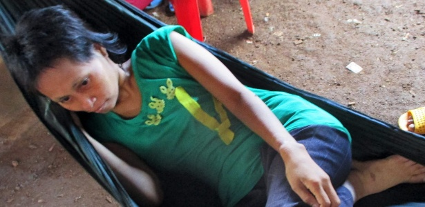 Rochom P'ngieng ou Tak é chamada de 'mulher da selva' no Camboja