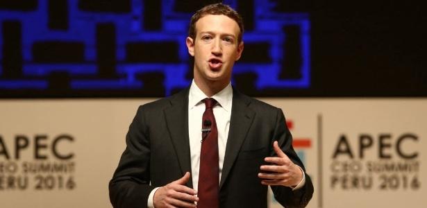 10.nov.2016 - Fundador do Facebook, Mark Zuckerberg faz discurso em encontro da Apec, em Lima, Peru