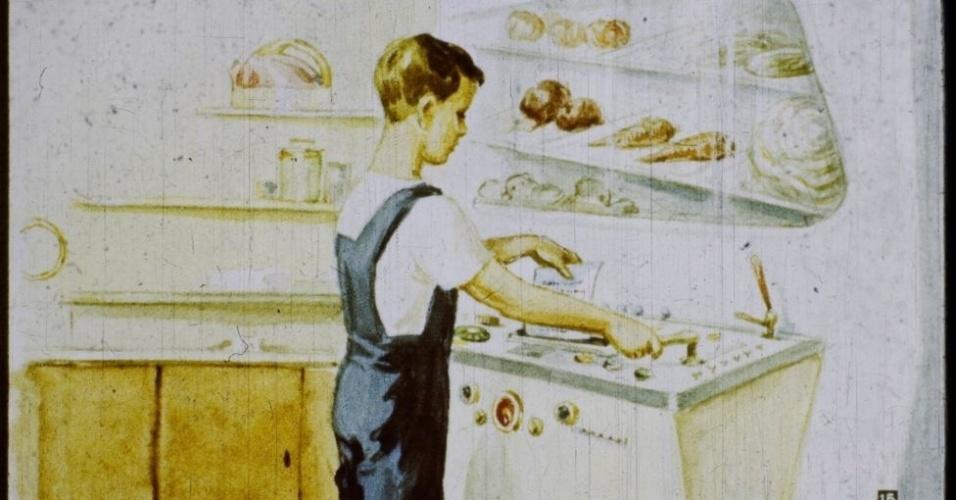 16.jan.2017 - Para preparar o café da manhã, Igor insere na cozinha automática uma receita deixada pela mãe. As máquinas escaneiam as instruções e misturam os ingredientes.