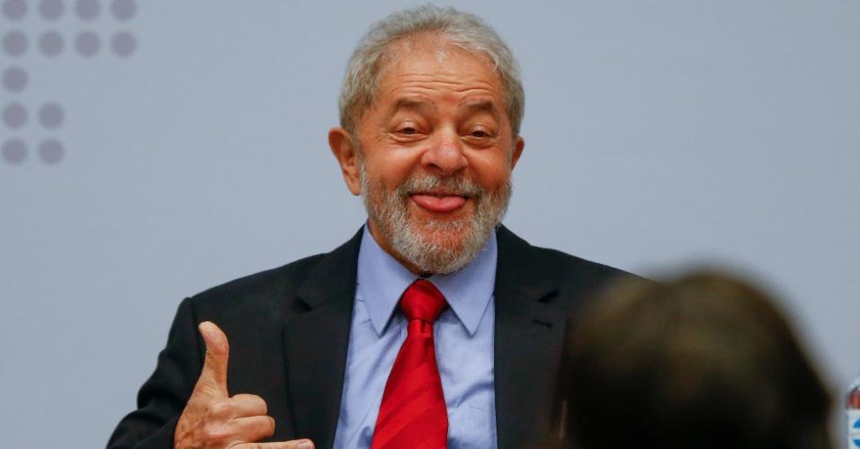 24.abr.2017 - O ex-presidente Luiz Inácio Lula da Silva participa de evento promovido pela Fundação Perseu Abramo em Brasília para debater propostas econômicas para o país