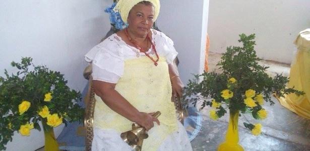 """""""Voltamos à época da escravidão"""", diz a mãe de santo Carmem Flores"""