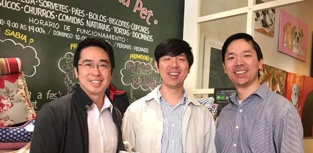 Arquelau So (à esq.), Rodrigo Chen e Ricardo Chen são sócios da Padaria Pet e do Centro de Estética AUqMIA - Divulgação