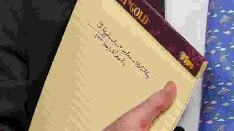 Anotação exibida por John Bolton citando tropas americanas na Colômbia - Jim Young/Reuters