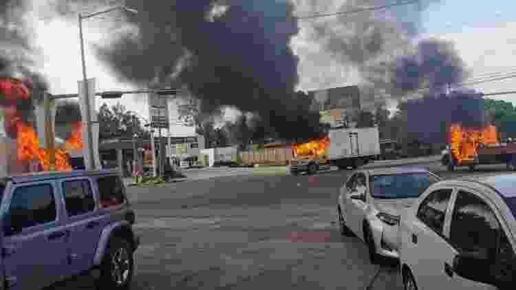 Vários carros foram queimados por traficantes de drogas - EPA