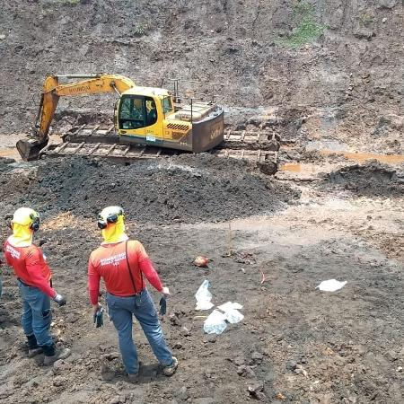 Corpo de Bombeiros de MG encontra corpo na lama de Brumadinho - Corpo de Bombeiros Militar de Minas Gerais/Divulgação
