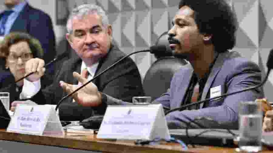 Hans River dispara suas mentiras na CPI, observado pelo presidente da comissão, senador Angelo Coronel, e pela relatora, deputada Lídice da Mata - Ane de Araújo/Agência Senado