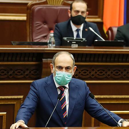 """Arquivo - Pashinyan denunciou tentativa de golpe de Estado militar depois que o Estado-Maior do exército pediu a renúncia de seu governo - AFP/Press Service of  Armenia""""s government/ handout"""