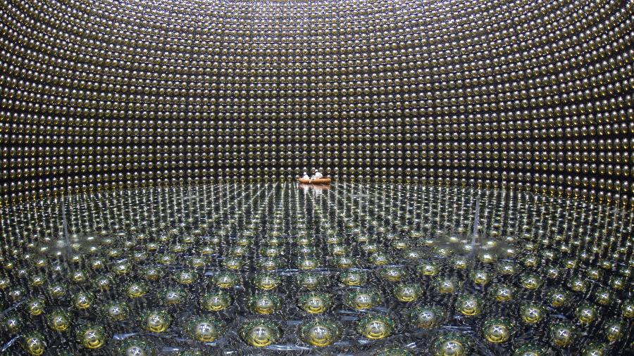 Detector Super-Kamiokande, observatório de neutrino localizado no Japão - Observatório Kamioka, Instituto de Pesquisa de Raios Cósmicos (ICRR, na sigla em inglês), Universidade de Tóquio