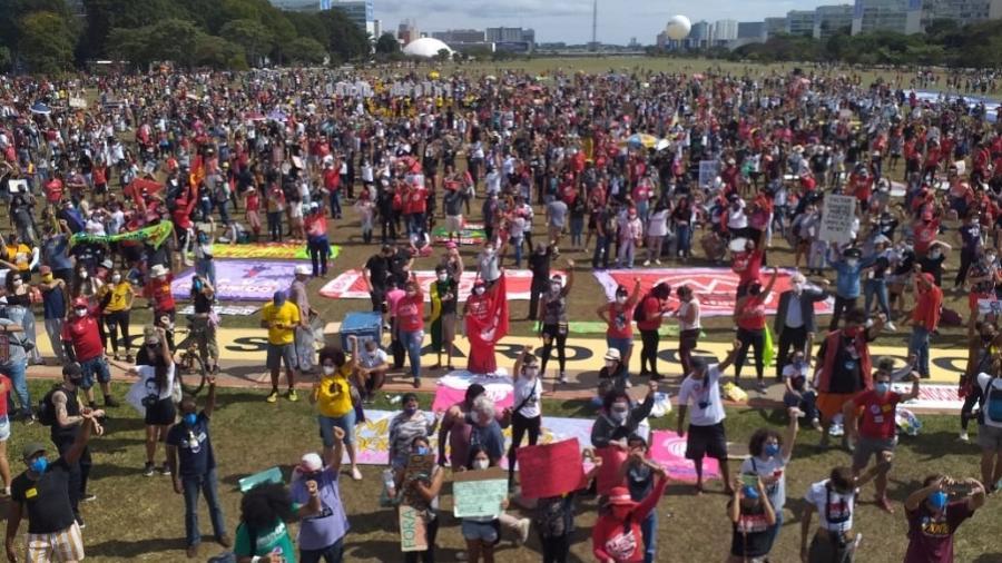 Manifestação em Brasília: protestos contra Bolsonaro aconteceram em mais de 200 cidades do país no dia 29 de maio - Rafael Neves/UOL
