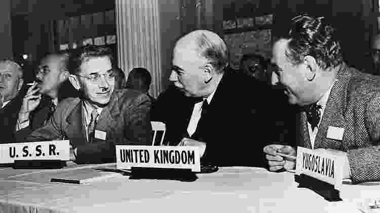 Economista britânico John Maynard Keynes durante a Conferência de Bretton Woods: FMI nasceu da tentativa de estabilizar sistema cambial - Getty Images - Getty Images
